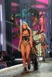 07 11 12th 15 för hollywood kodak för ettårig växtca-mode victorias för theatre model hemliga show Arkivfoton