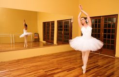 08芭蕾舞女演员 库存照片
