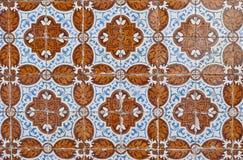 080 glasade portugisiska tegelplattor Arkivfoto