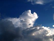 09朵云彩天空 库存图片