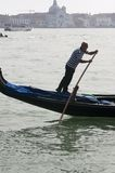 09 april gondolier italy venice Royaltyfria Bilder