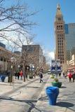 1õ Alameda da rua em Denver, Colorado Imagens de Stock