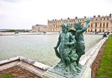 1个丘比特宫殿雕塑凡尔赛 库存照片