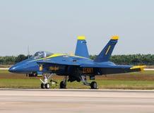 1个天使蓝色喷气式歼击机编号 库存图片