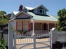 1个殖民地房子 免版税库存图片