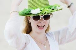 1个绿色帽子 免版税库存照片