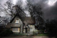 1个被困扰的房子 免版税库存图片