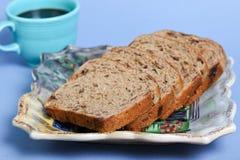 1个面包葡萄干 免版税库存照片
