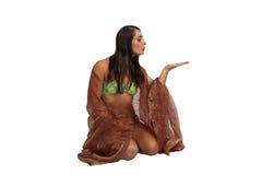 1位运动美丽的比基尼泳装穿的女招待 免版税库存图片