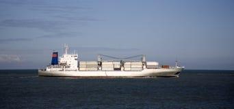 1只货船 免版税库存照片