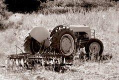 1台老拖拉机 免版税库存照片