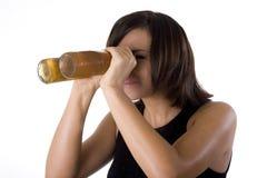 1名啤酒风镜妇女 免版税库存图片