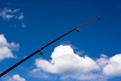 1天蓝色的蓝色钓鱼竿天空 库存图片