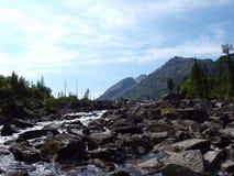 1平均底部湖mult石头 库存照片