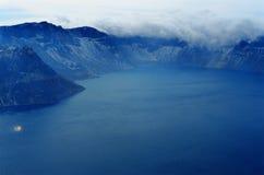 1座changbai天堂般的湖山 图库摄影