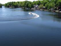 1张小船echolake速度 图库摄影