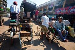 1月30日砂海螂缅甸运算符trishaw 图库摄影