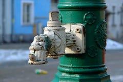 1杯泵水 库存照片