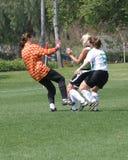 1比赛女孩足球 免版税库存照片