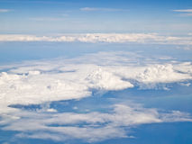 1航空蓝色云彩飞机天空 免版税库存图片