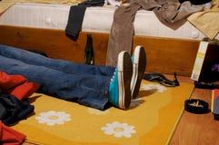 1躺下 库存照片