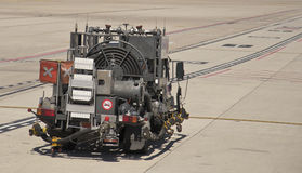 1辆飞机机场燃料喷气机卡车 库存照片