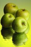 1 äpple Arkivfoton