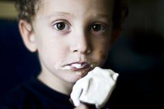 1 äter hur icecream till Royaltyfri Bild