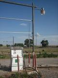 1 övergivna petrolstation Arkivbild