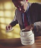 1 άτομο βάζων χεριών μπισκότω&n Στοκ εικόνες με δικαίωμα ελεύθερης χρήσης