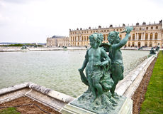 1 γλυπτό Βερσαλλίες παλατιών cupid Στοκ Εικόνες