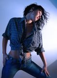 1 γυναίκα τζιν παντελόνι Στοκ Εικόνες