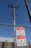 1 ηλεκτρικό σημάδι κινδύνο&upsi Στοκ Φωτογραφίες