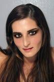 1 καλή νεολαία brunette headshot Στοκ Φωτογραφίες