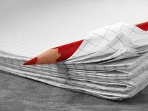 1 κόκκινο μολυβιών Στοκ Εικόνα