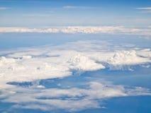 1 μπλε ουρανός αεροπλάνων σύννεφων αέρα Στοκ εικόνα με δικαίωμα ελεύθερης χρήσης