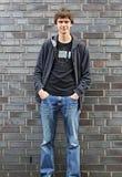 1 μόνιμη νεολαία τοίχων πορτ&r Στοκ Φωτογραφίες