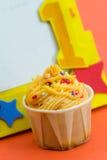 1 παλαιό έτος γενεθλίων cupcake Στοκ εικόνα με δικαίωμα ελεύθερης χρήσης