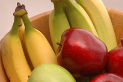 1 πράσινο κόκκινο μπανανών μήλων Στοκ Εικόνες
