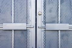 1 πόρτα βιομηχανική Στοκ φωτογραφία με δικαίωμα ελεύθερης χρήσης