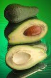 1 авокадо влажный Стоковая Фотография