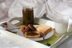 1 завтрак кровати Стоковые Фотографии RF