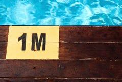 1 заплывание бассеина метра надписи глубины Стоковое Изображение