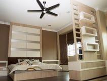 1 комната кровати Стоковые Фотографии RF
