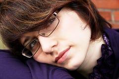 1 портрет девушки к детенышам Стоковое Фото