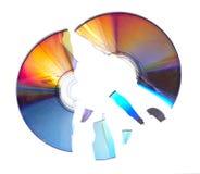 1 сломленный компактный диск Стоковые Фотографии RF