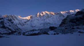 1 солнечний свет Непала annapurna первый Стоковые Фотографии RF
