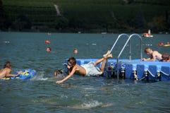 1 2006胸腹先着水的跳水 库存图片