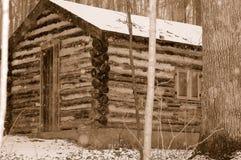 древесины 1 журнала кабины старые стоковые изображения