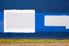 1 blåa grafittivägg Arkivfoto